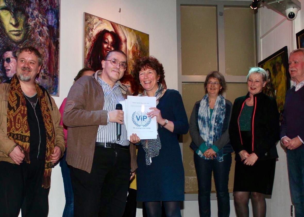 Werkgroep ViP Almere samen met de wethouder.